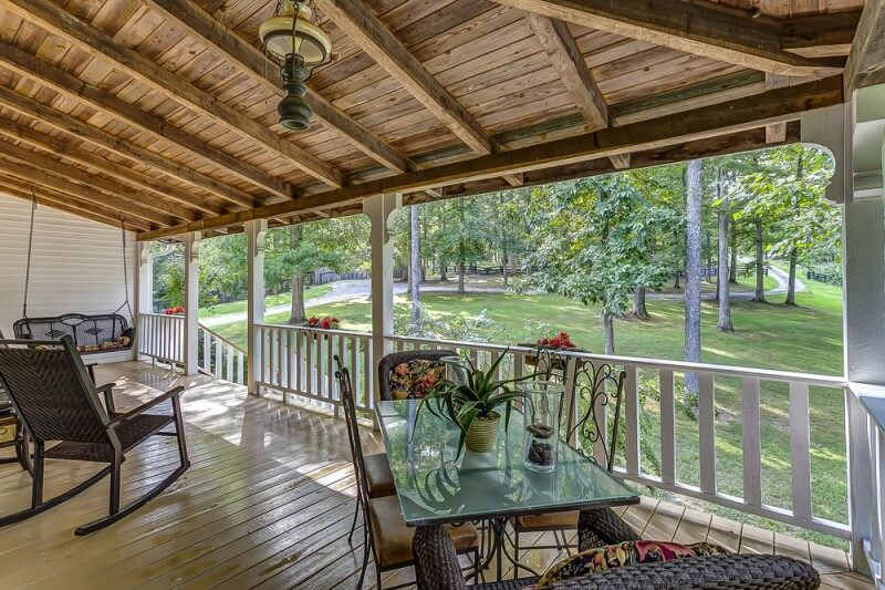 Farmhouse in the Fork Shelter + Roost rental homes in Franklin, Tn