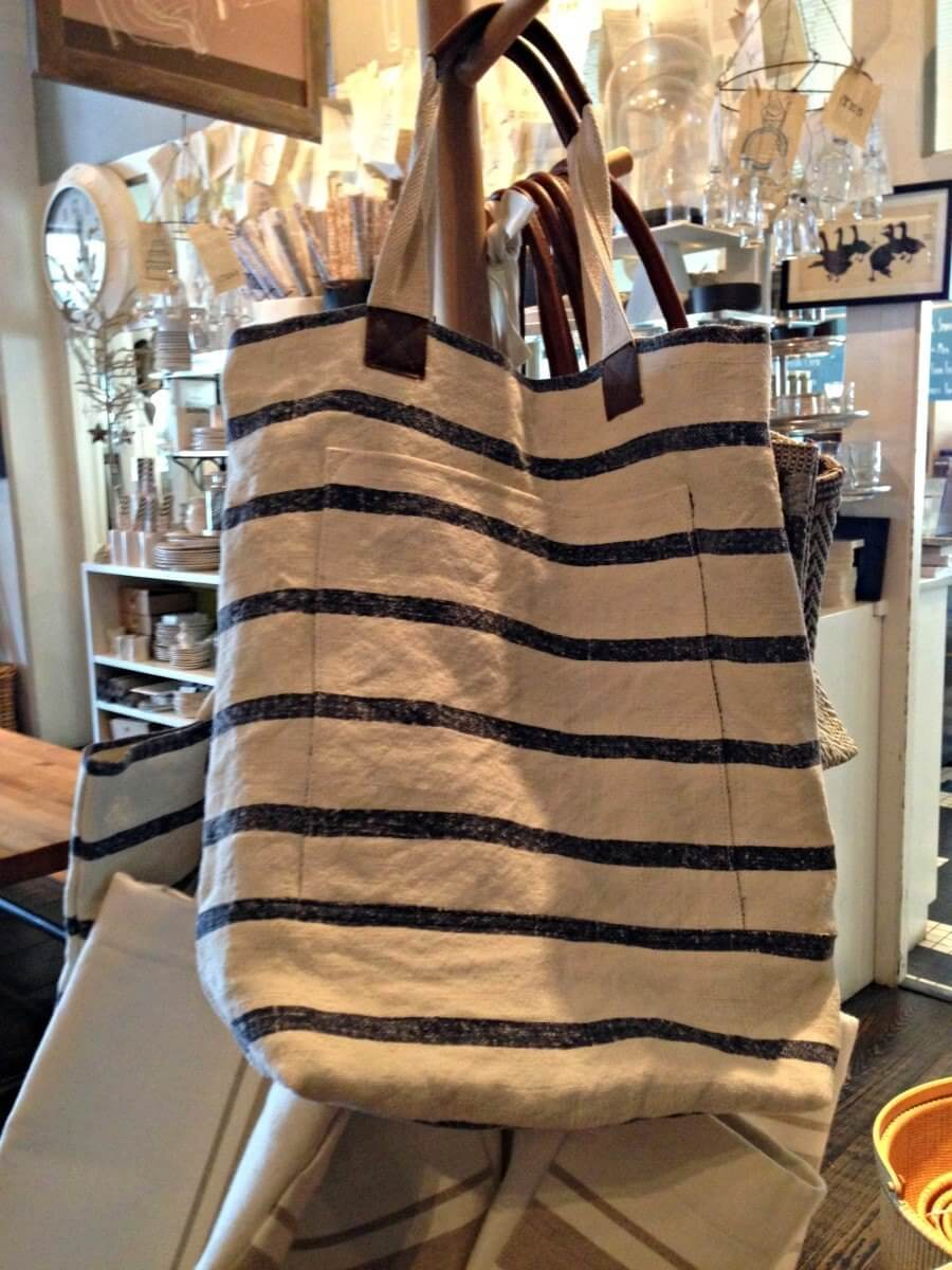 The perfect bag to throw over you shoulder and head to the famers market, beach, pool or shopping around town! From Star Provisions in Atlanta