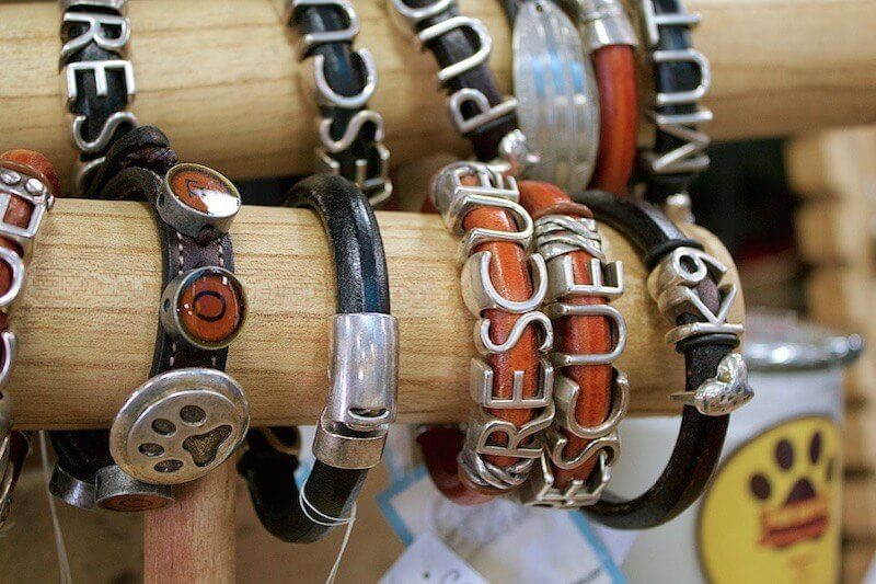 SBGuide_Memphis_HollywoodFeed_Bracelets_02-15