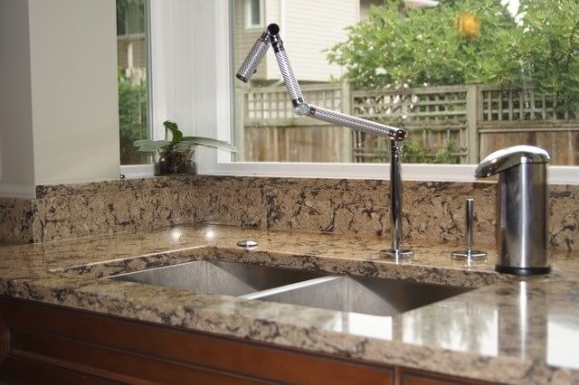 Fair of faucet cool new trends for the kitchen for Bathroom faucet trends