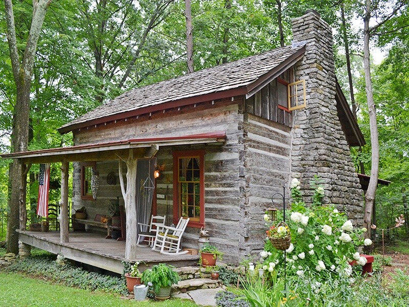 Quick Getaway in Time: The Captain's Cabin in Jeffersontown, KY