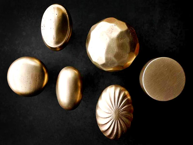 Sun Valley Bronze cabinet knobs | Image: Sun Valley Bronze