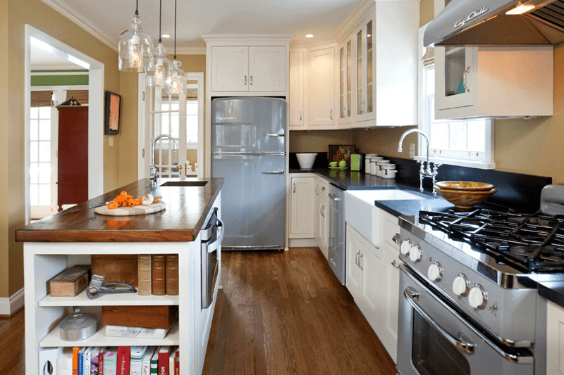 This Retro Kitchen Is a Modern Blast From the Past
