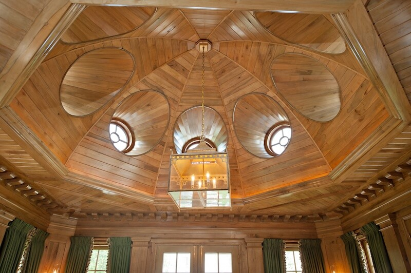 Intended to create a place for quiet retreat, this Palladian style ceiling in the garden library is absolutely transportive. A job well done, if we say so ourselves. Image: The Wills Company
