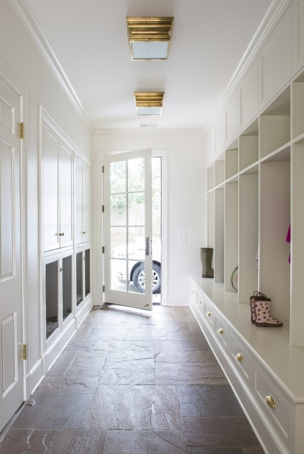 Mudroom with kennels