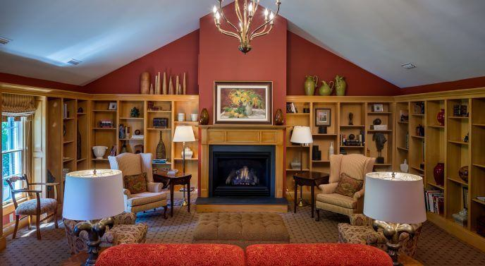Warm and welcoming spaces offer a relaxing yet focused atmosphere for your company retreat. Image: Fearrington Village