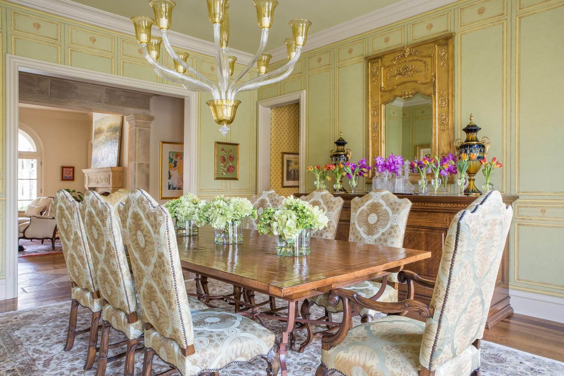 The Floral Accents And Accessories Around Room Complement Colors Patterns Rather Than Competing