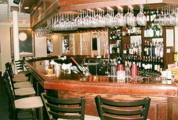 The Bar At Jarrett S Was A Por Spot For Meeting Friends Before And After Dinner This Beloved East Memphis Restaurant Image