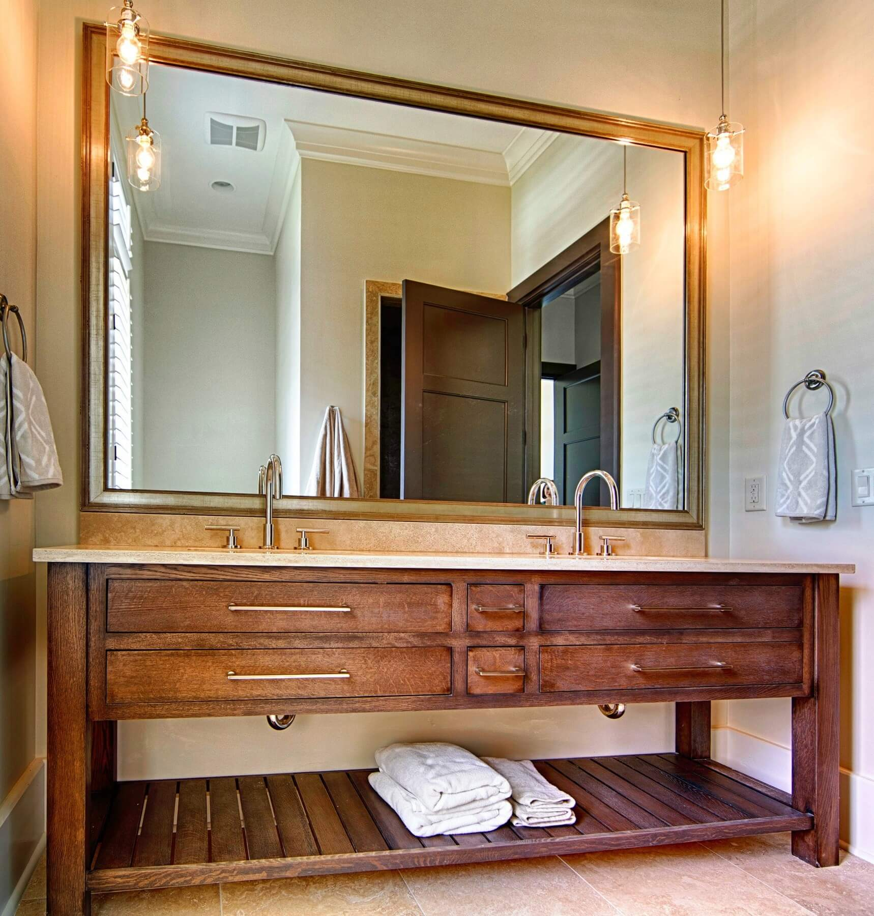 Stunning vanity by Toulmin Cabinetry. Learn more here.
