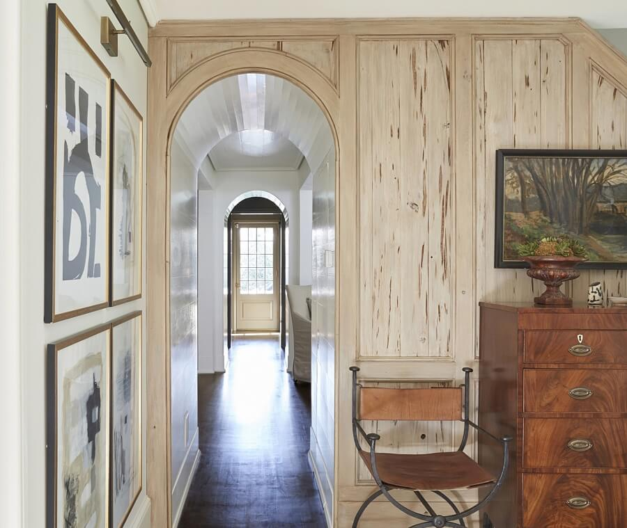 entryway with architectural details