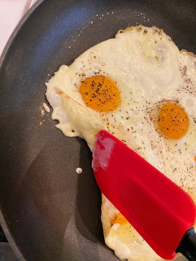 cream and eggs separate during fried egg process