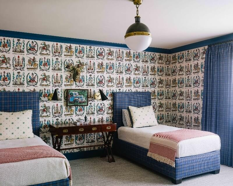 historic wallpaper in bedroom