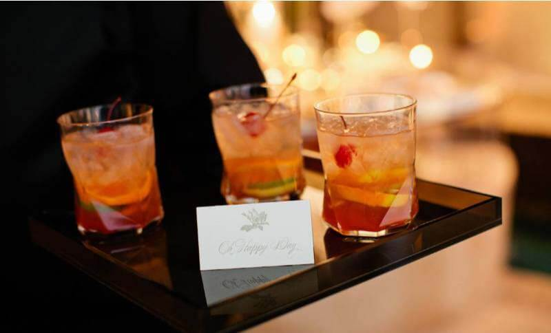 craft cocktails are a wedding trend in 2020