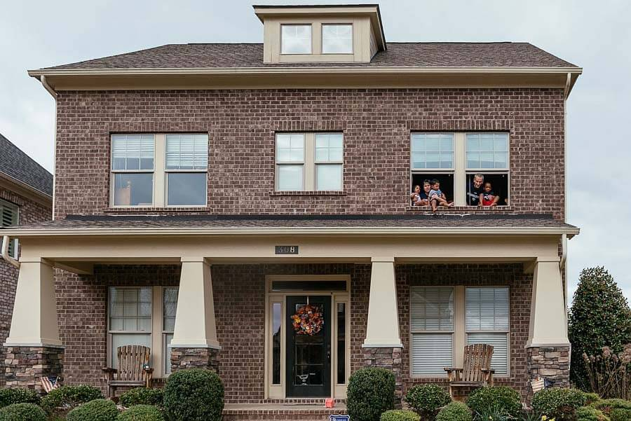 Do you see the family in the top right window?! Image: Tausha Dickinson