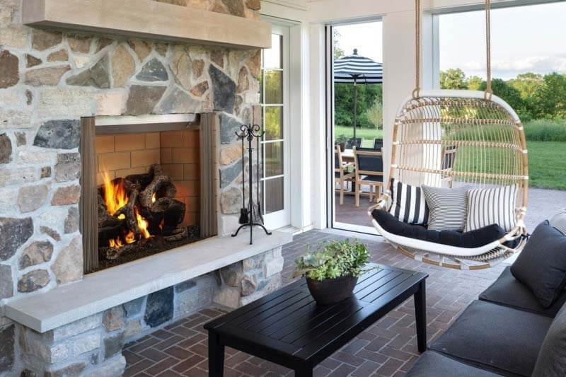 9 Luxury Outdoor Fireplaces You Need to See