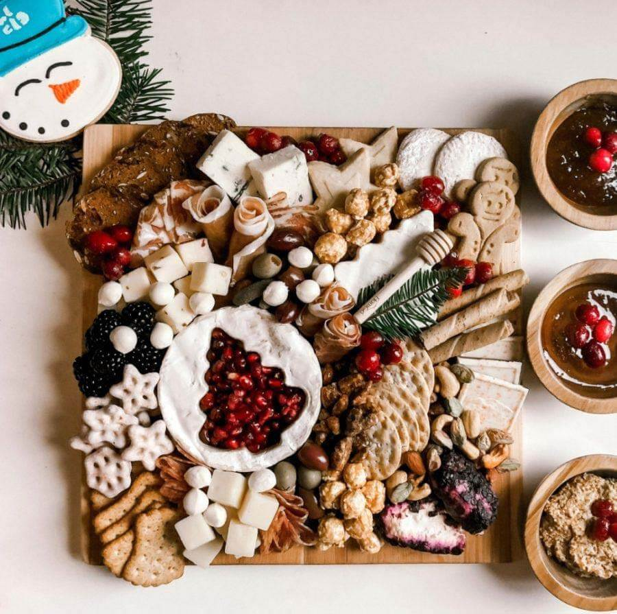 Anzie Blue Christmas Cheese Board