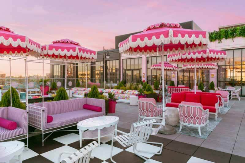 Heated patios in Nashville: White Limozeen