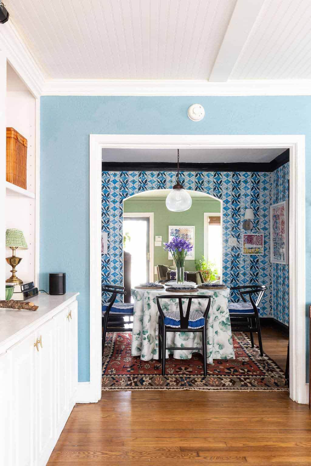 Dining room in Meredith Olinger's Memphis home