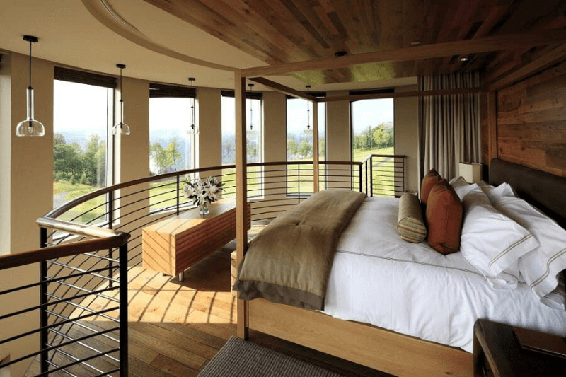 9 HUGE + Luxurious Hotel Suites in the South