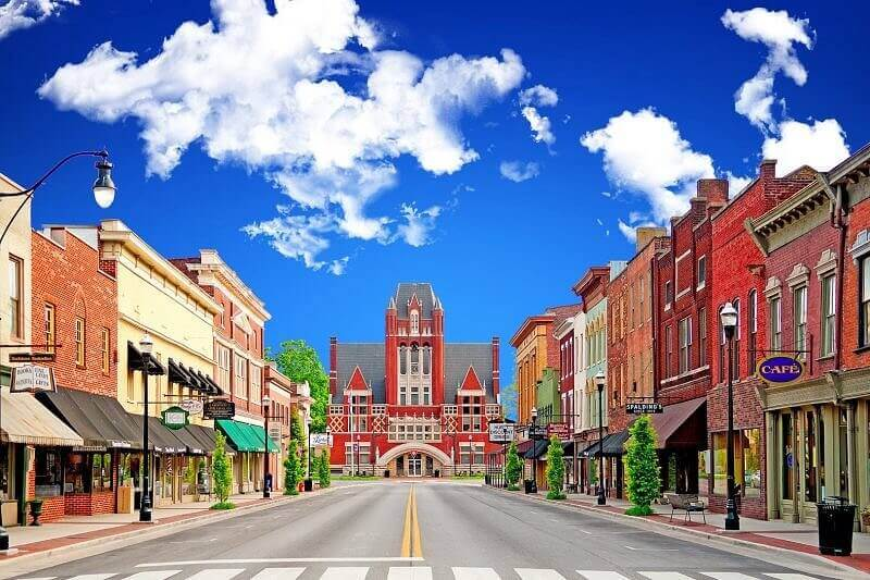 3 Small Kentucky Towns We're Obsessed With