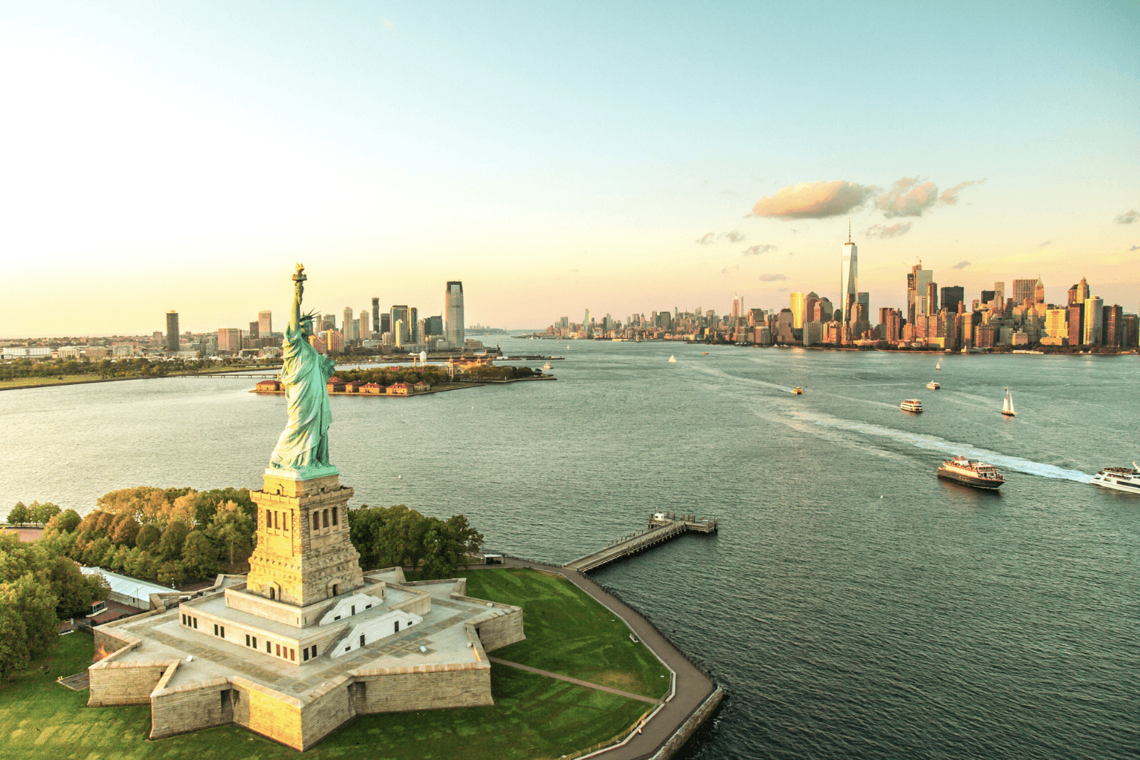 Celebrating NYC: 10 Must-See Sights According to a Local